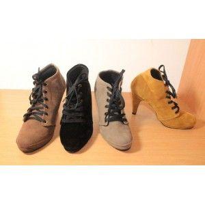 Boots Tali Bludru
