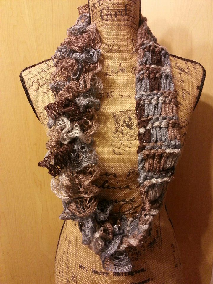 drop stitch with sashay yarn - I so want to know how to make this scarf. WAY COOL
