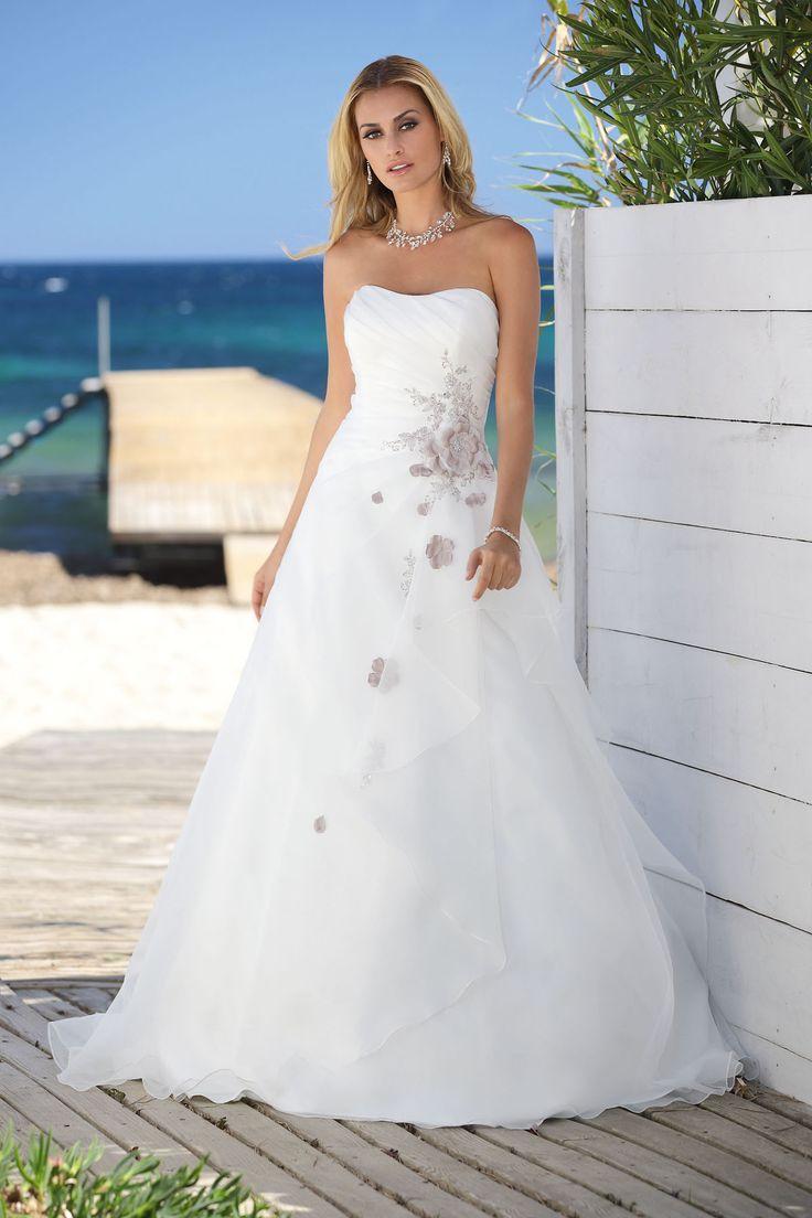 Brautkleid aus der Ladybird Brautmoden Kollektion 2015 :: bridal dress from the 2015 ladybird collection