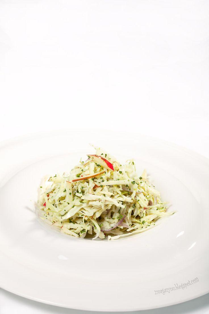 салат из капусты с соусом песто