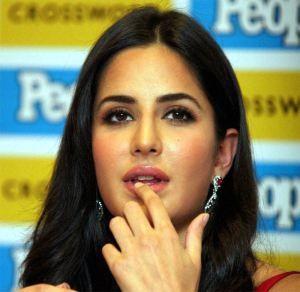 Katrina Kaif kisses Ranbir Kapoor Best friend Talking the truth, Bollywood actress Katrina Kaif should not have.