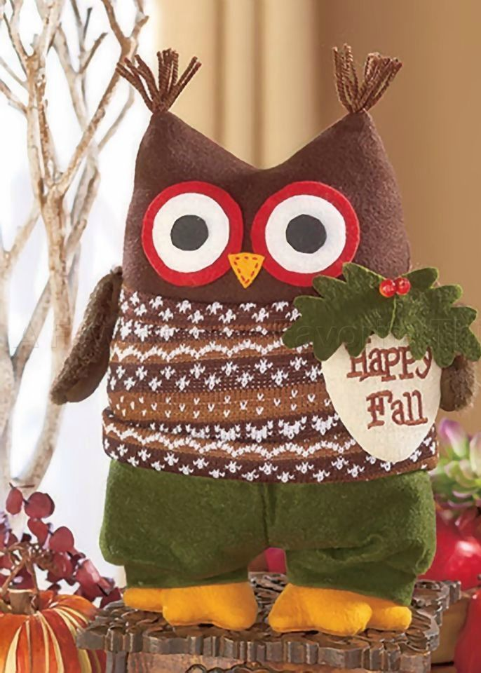 10 Holiday Thanksgiving Decorating Ideas to help make your guests feel at home.