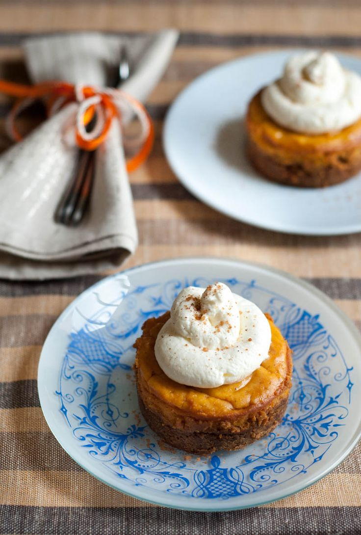 Sweet Potato Cheesecake with Speculoos Biscuit Base (in Greek)