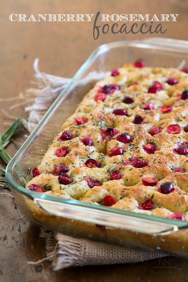 Karpalo-rosmariinifocaccia // Cranberry rosemary focaccia nutmegnanny.com