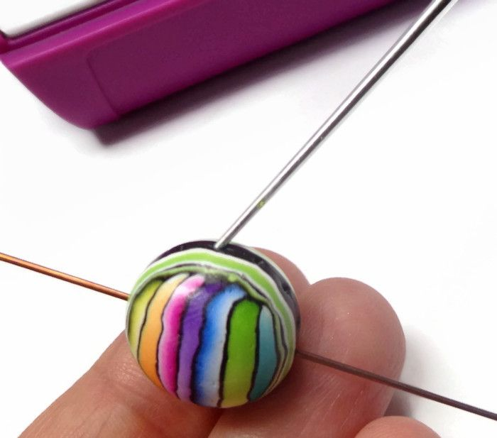 Stripey earrings - full How to from Sculpey.  This includes some basic skills and is very clear.  #Polymer #Clay #Tutorials