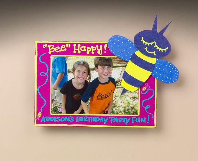 Craft a picture frame that will cause a buzz! Make this bee-themed frame to hold your favorite picture.