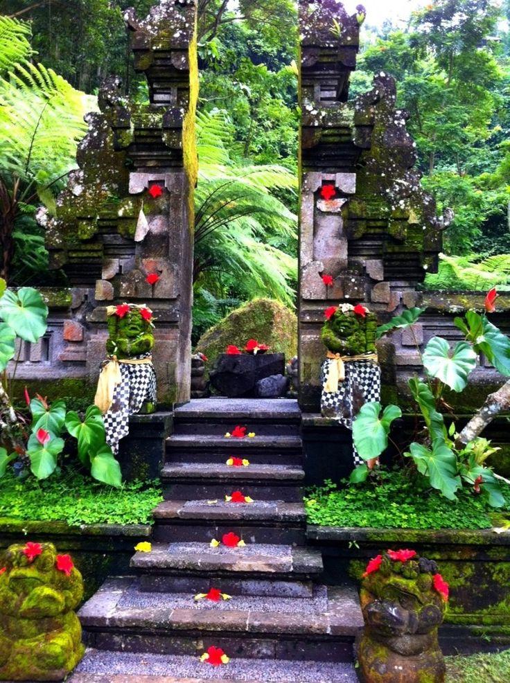Pura ( Temple )