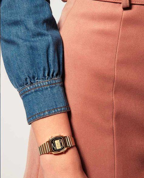Super mignonne cette petite montre dorée pour femme par Casio !