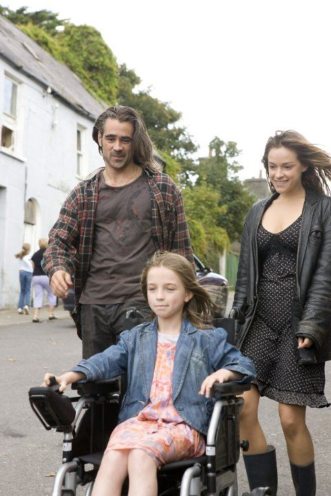 Still of Alicja Bachleda, Colin Farrell and Alison Barry in Ondine (2009)