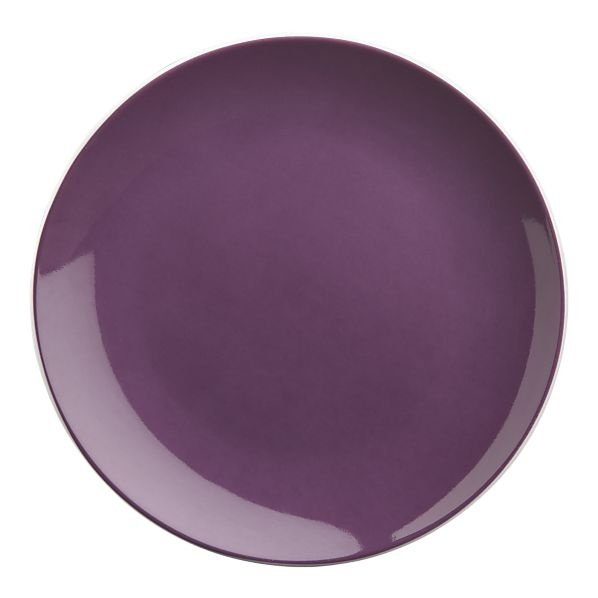 Purple plates + yellow paella = perfect ode to the saffron crocus.  #saveur #dinnerparty