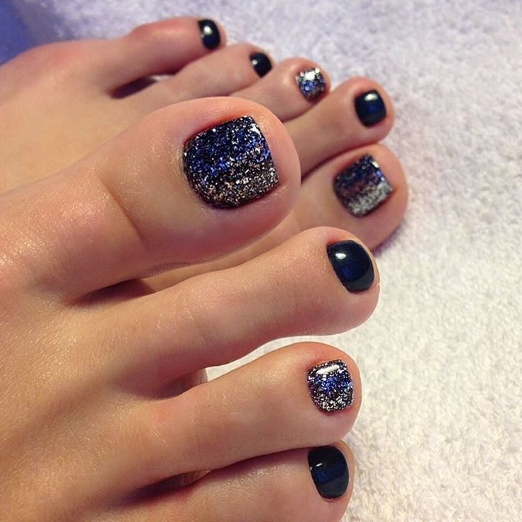 Party toes!