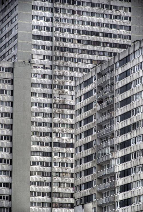 Bagnolet (in the banlieues of Paris) une partie de mon enfance au 11éme étage,quand l'ascenseur était en panne ,je n'allais pas à l'école:le bonheur ;)