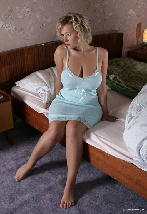 Bed Lonely Blondes Teen 58