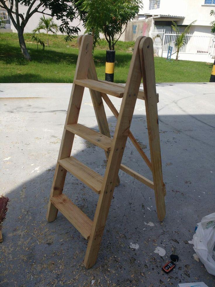 Escalera decorativa con estibas Palets DIY