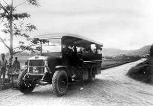 Bus di Brastagi, 1930