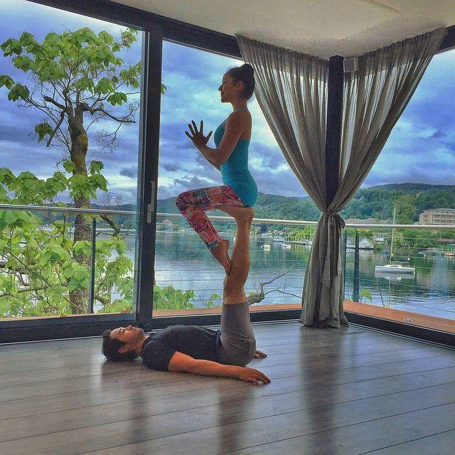 Gut bekannt Les 25 meilleures idées de la catégorie Yoga à deux sur Pinterest  HQ84