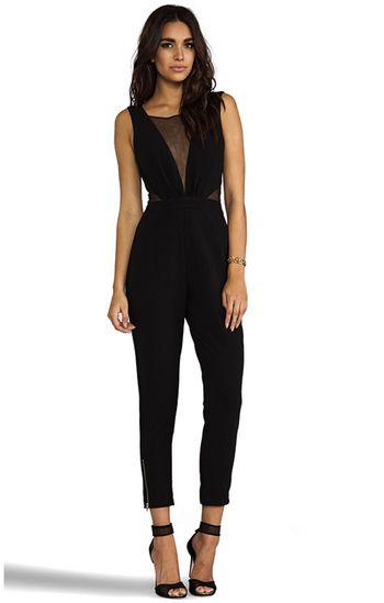 die besten 25 eleganter jumpsuit hochzeit ideen auf pinterest schwarze elegante jumpsuits. Black Bedroom Furniture Sets. Home Design Ideas