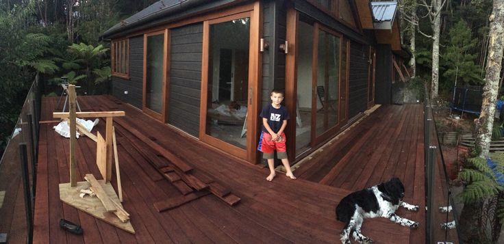 Floating shadow deck