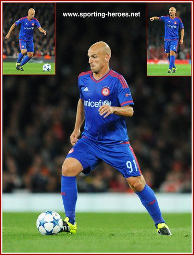 Esteban Cambiasso - Olympiacos - Champions League games 2015-16.