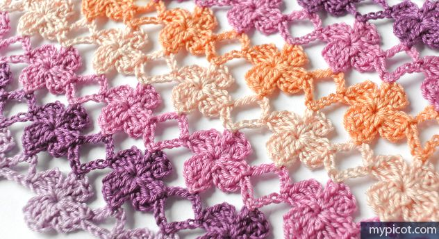 Simple linked flowers and many, many other free charted patterns. http://www.mypicot.com/2067.html