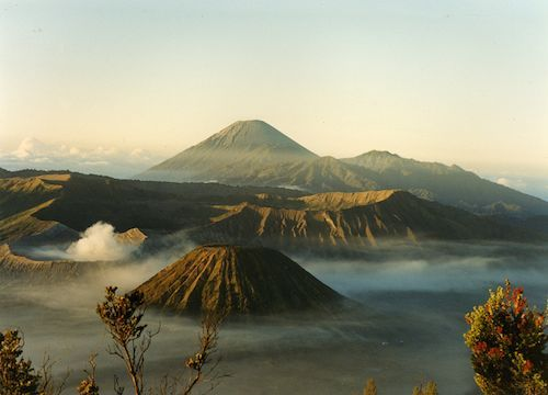 Volcanoes Mountbromo Sulphurmountain Hauntingly Beautiful EyeEm Indonesia Misty Morning Java Indonesia_photography Caldera Tengger