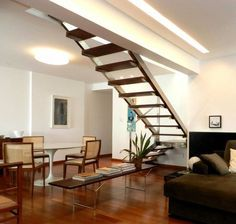 Escaleras para espacios reducidos: ¡10 diseños sensacionales! https://www.homify.com.mx/libros_de_ideas/69033/escaleras-para-espacios-reducidos-10-disenos-sensacionales
