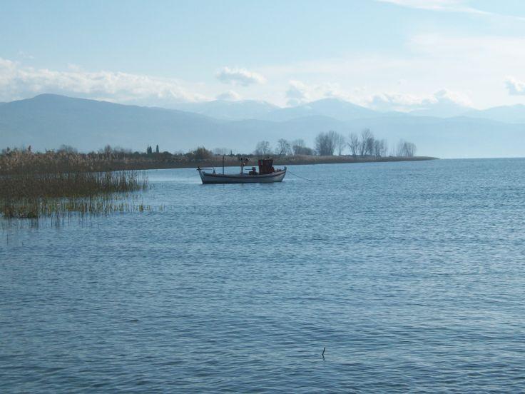 Ένα από τα πολλά ψαροκάικα της λίμνης!