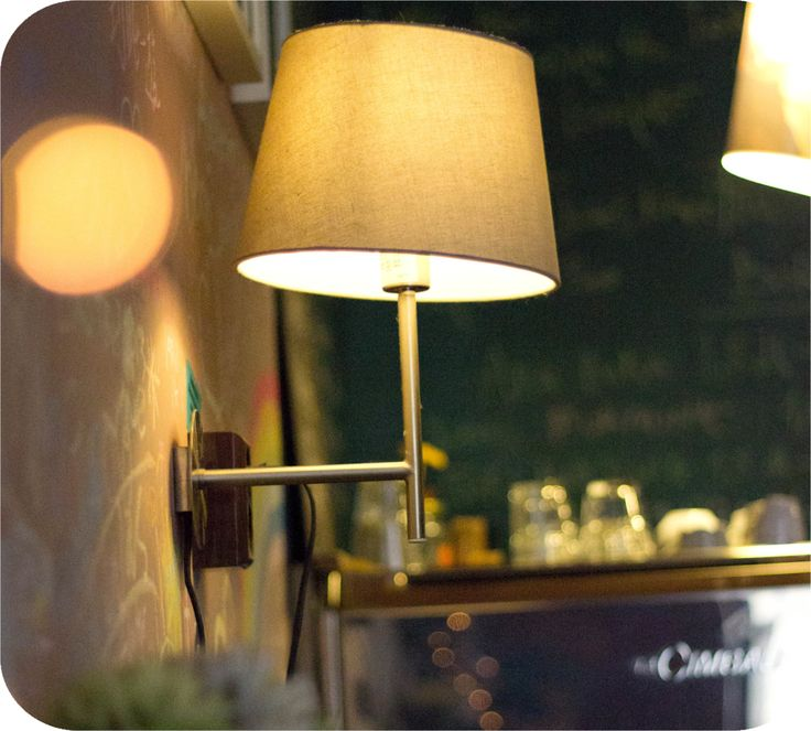Lights @ Mozaik Coffee Budapest  http://www.budapestwithus.hu/blogger-kerekasztal/