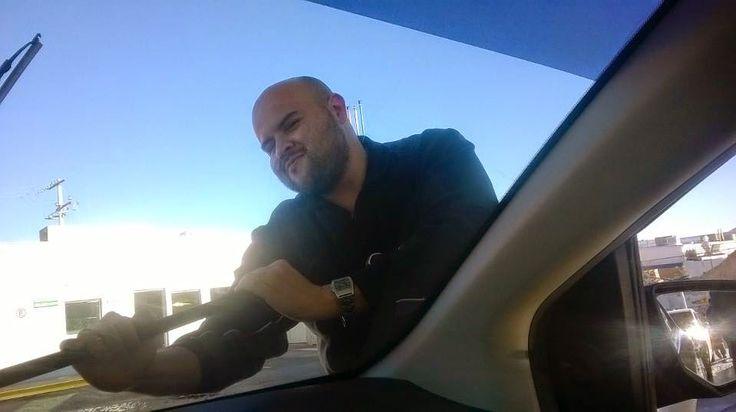 http://estilomapula.blogspot.com/2015/01/ruben-rey-panegirico-del-coloso-muerto.html?spref=pi Rey, escritor de Chihuahua, se mete al monólogo interior de un señor que de muchas maneras es muy siglo XXI. Brutal.