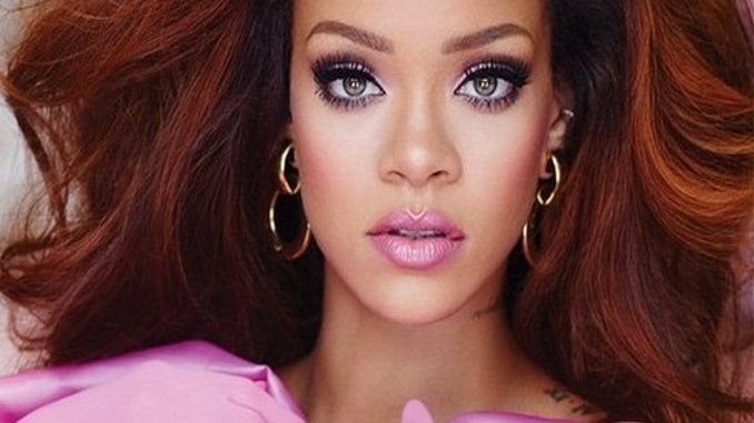 Rihanna has dropped out of her performance at the upcoming Victoria's Secret Fashion Show and has been replaced by British pop star Ellie