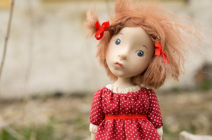 Девочка с красной птичкой - авторская игрушка,авторская кукла,полимерная глина ливингдолл (living doll)