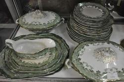 DINNERSET - Part Ridgeways  Verona Including Tureens and Platters (a/f)