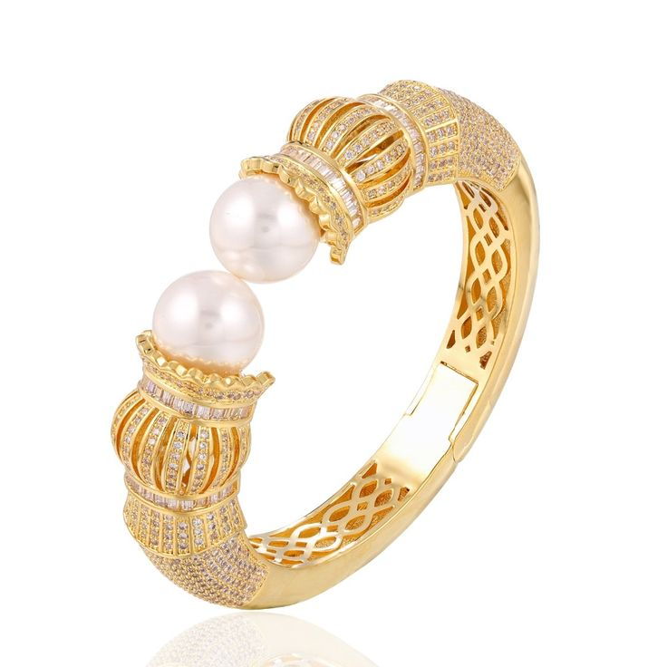 Like and Share if you want this  Luxury Shell Pearl Bangle Real Gold Plated Bracelet     Tag a friend who would love this!     FREE Shipping Worldwide     Get it here ---> https://levanra.com/luxury-shell-pearl-bangle-real-gold-plated-bracelet/