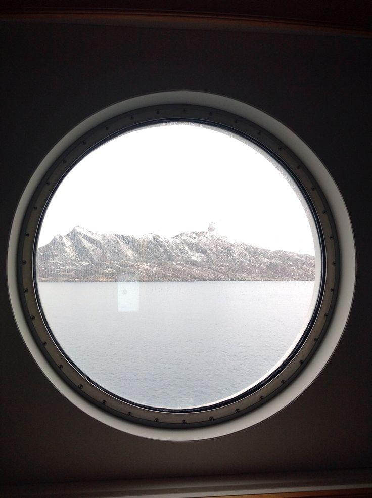 Helgelandskysten fra lugeren.