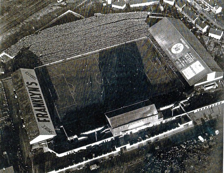 The greatest picture ever of Ninian Park? 57,893 fans crammed in to watch the League clash with Arsenal in 1953. Wonder if there were many stewards in the Bob Bank that day?