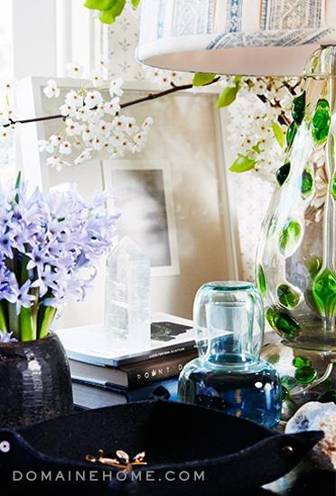 "Bravo's Million Dollar Decorators star Jeffrey Alan Marks' bedside table is ""curvy and soft and pretty.""   #jeffreyalanmarks #JAM #homedecor"