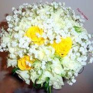 buchet mireasa/nasa cu miniroze albe, trandafiri galbeni si gypsophila