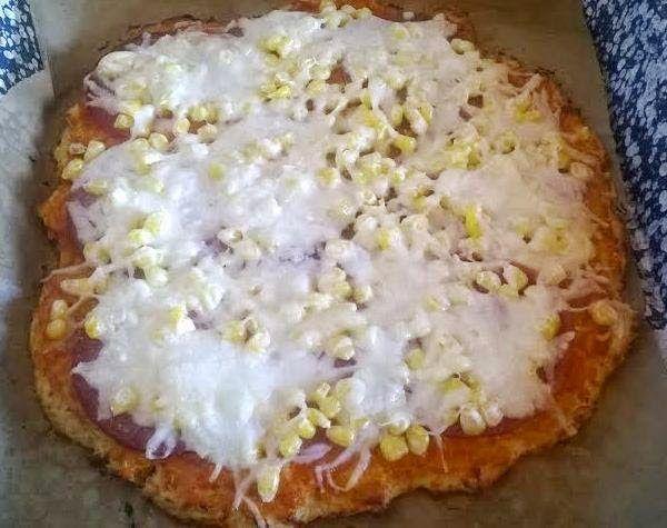 Ti Küldtétek Recept  (A recept beküldője: Bach-Joó Barbara) Túró és zabpehely alapú pizza       Fitnesz túrópizza    Ha egy gyors, finom, fitnesz pizza receptet keresel, íme egy kis segítség Barbitól. RECEPT: 500 g túróhoz 8 kanál darált zabpelyhet (zabpehely ITT!)(Szafi Fitt glutén