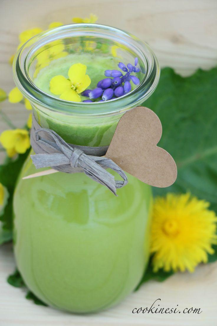 The «Green Cookinesi» Juice with wheatgrass and other healthy ingredients / Der «Green Cookinesi» Saft mit Weizengras und weiteren gesunden & leckeren Ingredienzien. Rezept auf Deutsch