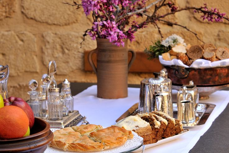 Exclusive suites boutique hotel, Medieval Town, Rhodes, Greece. - Afternoon tea and cakes in the graden  - kokkiniporta.com