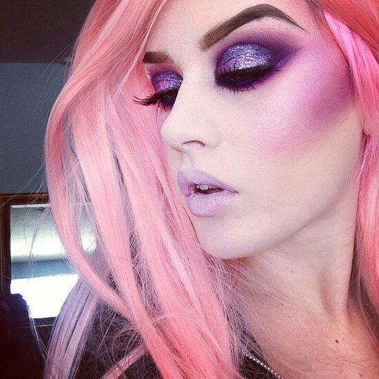 Dramatic Makeup and Pink Hair <3