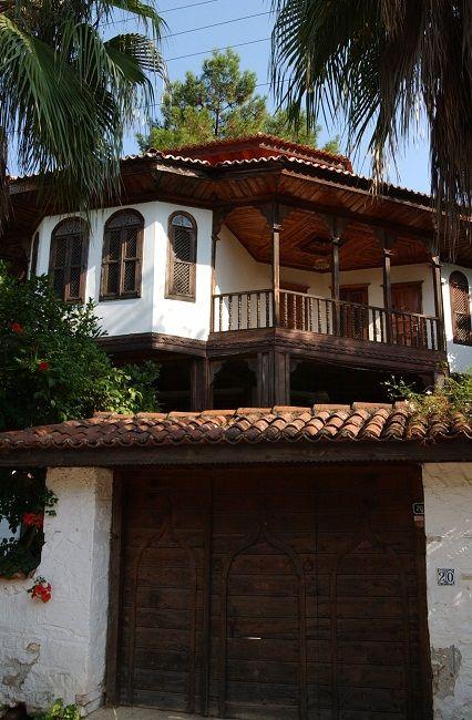 Traditional Akyaka house, Turkey: architect Nail Cakirhan (Aga Khan Award for Architecture )