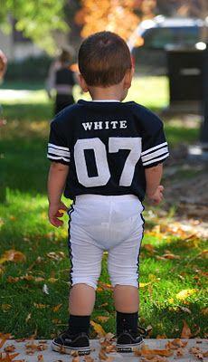 Little boy's football Halloween costume.  Football or hockey, great idea and cute!