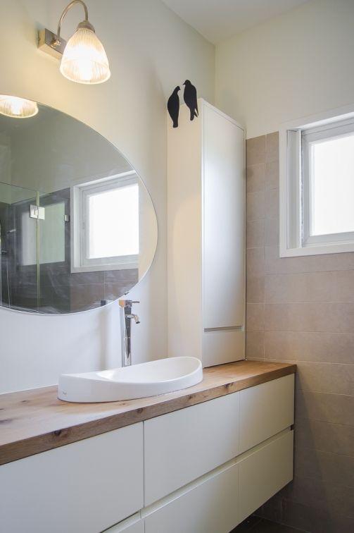 ארון אמבטיה מבית דני הנקר