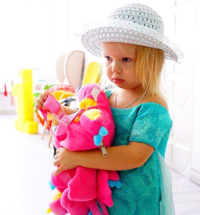 Бывали и расстройства на съёмочной площадке... Модели они такие... Дамы характерные 😂😂😂 Чудесная Василиса🌺  #verasherkids #children #child #verasherstova #верашерстова #выходные #воскресенье #фотосессия #маруся #осень #детскоефото #fashionkids #kids #children #child #дети #украшения #платья #dress #crossstudio #нежность #студийнаясъемка #фотосессия #василисавладиславовна #василек #nex6 #sony  @sinidshuk спасибо за фото!