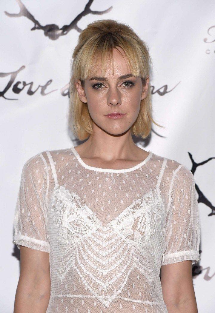 Jena Malone bob haircut for fine hair
