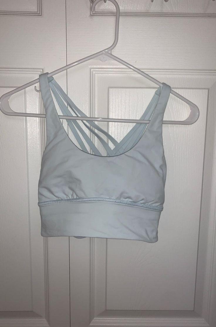 Size 4 lululemon strapping sports bra. With bra inserts