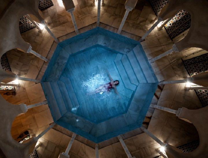 Hot Bath & 30 mins Relaxing Massage