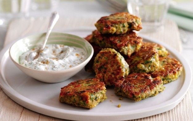 Slimming World's chickpea and chilli cakes with minted yogurt dip