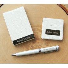 Öğretmenlerinize isimlerine özel tasarlanmış kalemler hediye edin... :) http://www.giftomino.com/kime-hediye/ogretmene-hediye